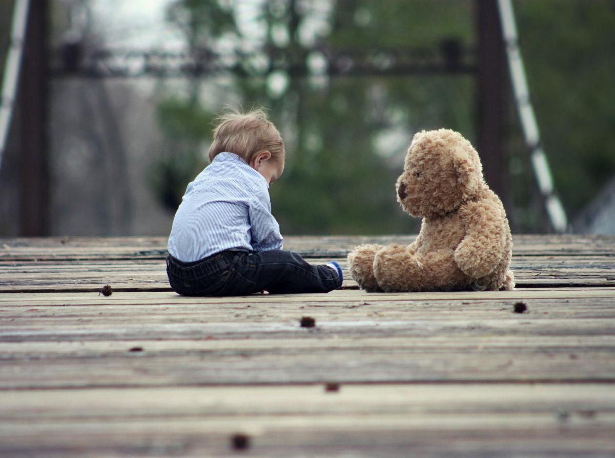 toddler and teddy bear practicing gratitude PXBY iQ3GNz